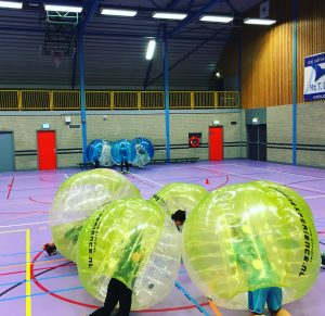 Indoor Bubble voetbal huren in Amsterdam
