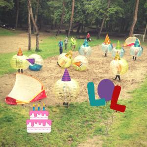Bubbel voetbal kinderpartijtje op locatie in de gymzaal of tuin