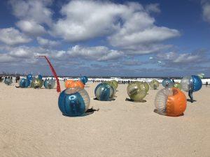 Bubble voetbal personeelsuitje in Scheveningen op het strand