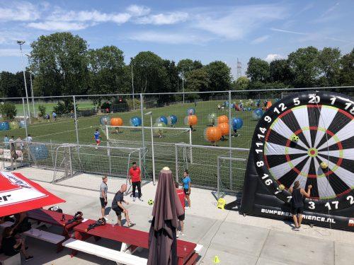 Bubbel voetbal toernooi op locatie huren